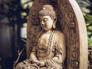 aproape un buddha, buddha